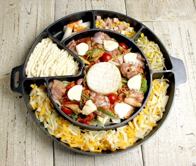 カマンベールとモッツァレラのトマト鍋