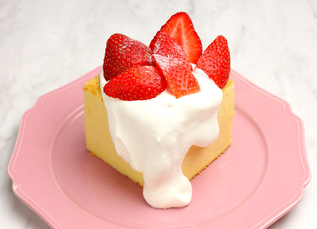 台湾カステラデコケーキ たっぷりいちご¥700