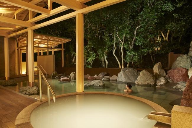 10月15日温泉サロン ロイヤルスパ 悠久の森 誕生