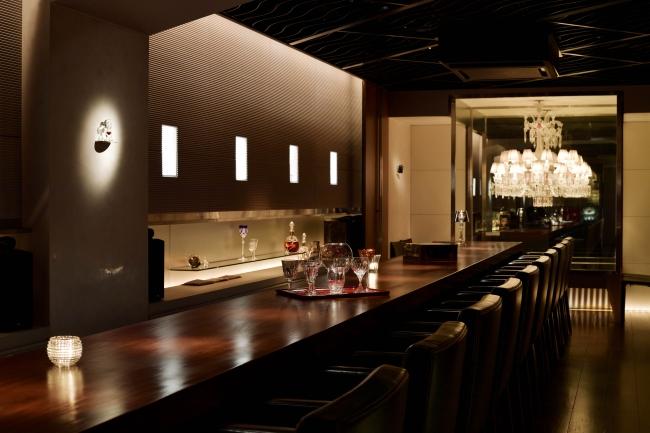B bar Marunouchi内観