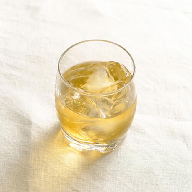 ウィスキー:甘酒 =1:2 香りの良い大人の甘酒。ハイボールでもOK!