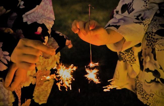 花火を楽しむイメージ