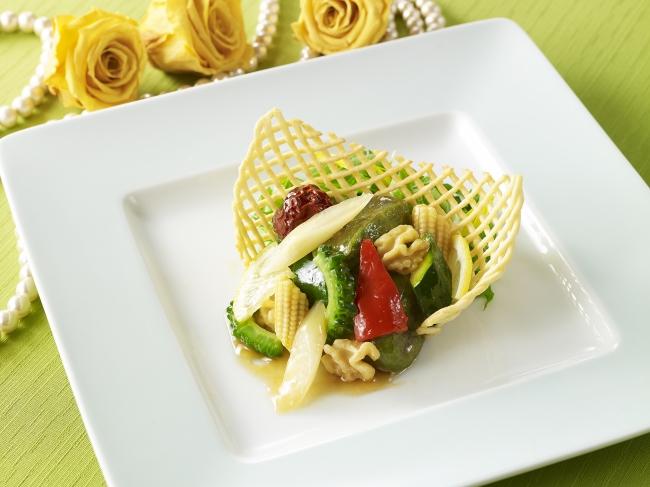 よもぎ麩とゴーヤ、  カラフル野菜の甘辛風味