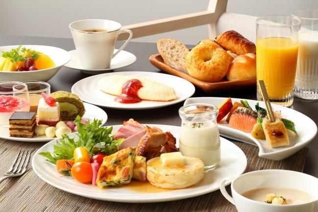 オールデイダイニング カザの朝食は、  和洋の ビュッフェスタイルをお愉しみいただけます。