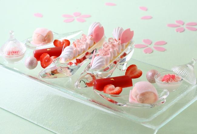 プリンセスをイメージした桜スイーツを愉しめるデザートセット「SAKURAプリンセス」(※写真は2名様分)