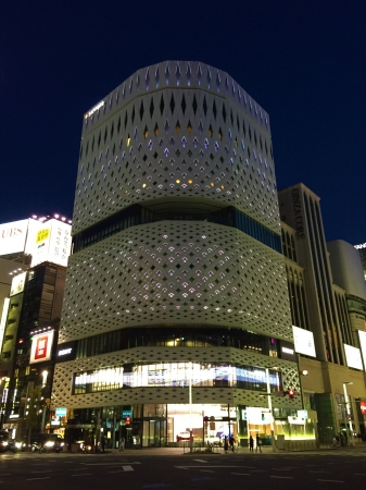 GINZA PLACE ライトアップの様子