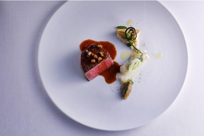▲淡路島の厳選された旬の食材を活かした極上のフランス料理をフルコースで提供