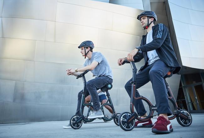 アフターコロナ時代の新しい移動手段、重さ8.6kgの折りたたみ式電動バイク〈smacircle S1〉 |PRODUCT|TECTURE MAG(テクチャーマガジン)