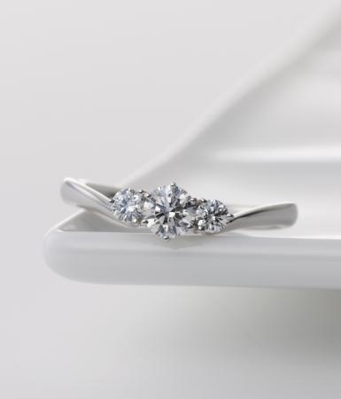 婚約指輪Digt