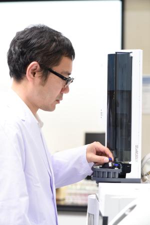 TSCA規制追加禁止5物質分析の様子