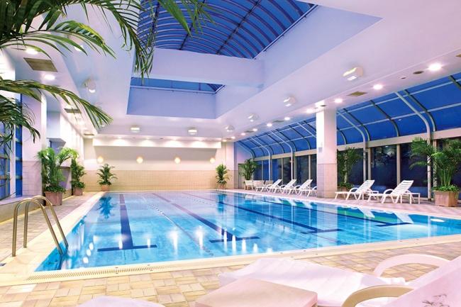 ホテルフィットネス プール