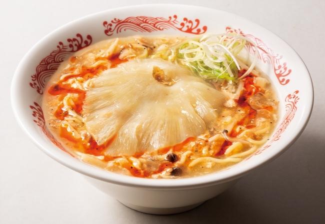 フカヒレの姿煮のせ酸辣湯麺