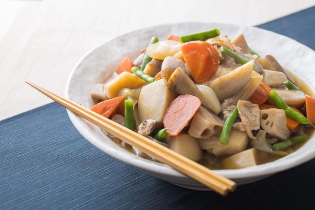お野菜たっぷりの筑前煮 (1パック約100g 税込400円)