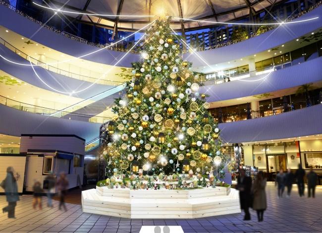 2018年は「海辺のクリスマス」をイメージした高さ約8mの本物のモミの木が登場する(11月3日~12月25日まで)