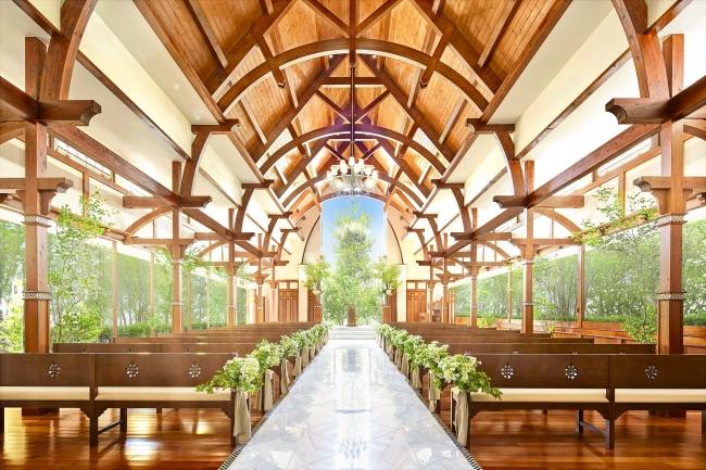 木の温かみを感じる誓いの空間に、自然光があふれる独立型チャペル(120名着席)完成予想図