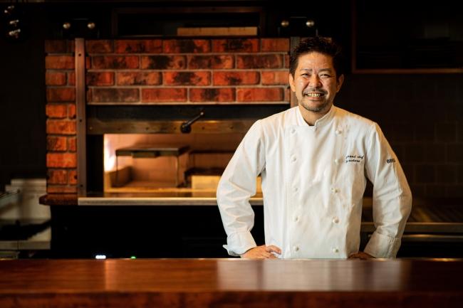 料理長を務めるのは、ブラスグループで総料理長を長年努めた上原泰樹