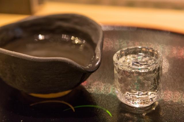 全国の蔵元から季節や食事にあう日本酒を仕入れています