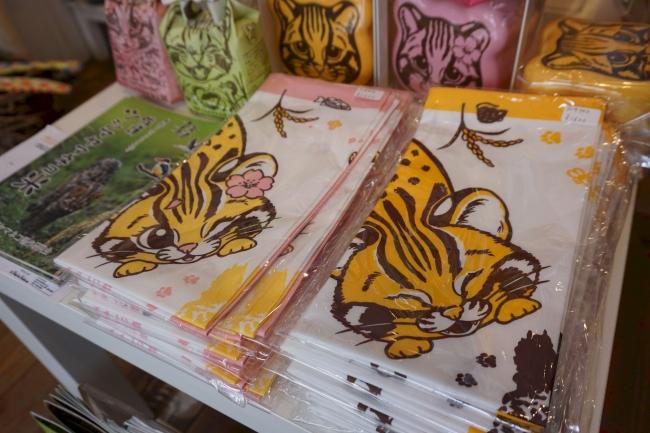 ツシマヤマネコグッズを買えるのは、東日本ではここだけ!