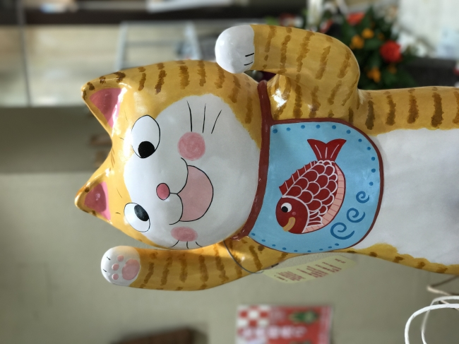 元気いっぱいの猫ちゃんがお出迎え!