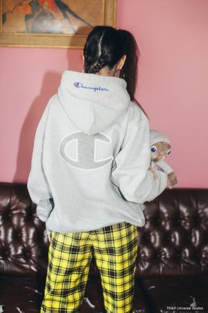 X-GIRL X CHAMPION HOODIE02