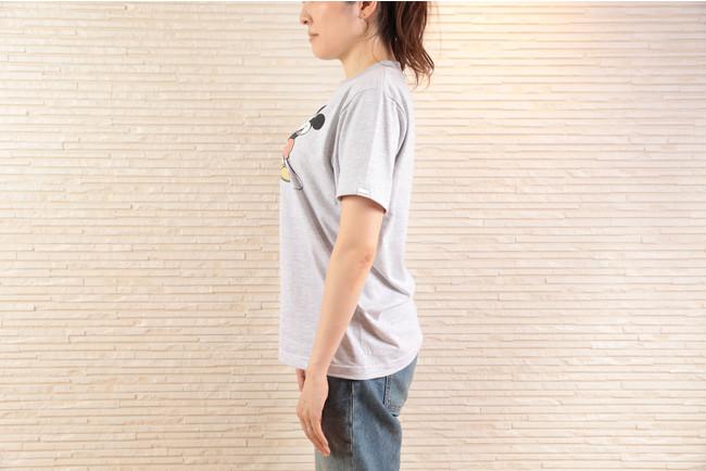 Tシャツの袖のサイドにはさりげなくサラベスのロゴが入っています。