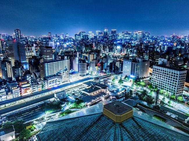 ホテル最上階からの夜景