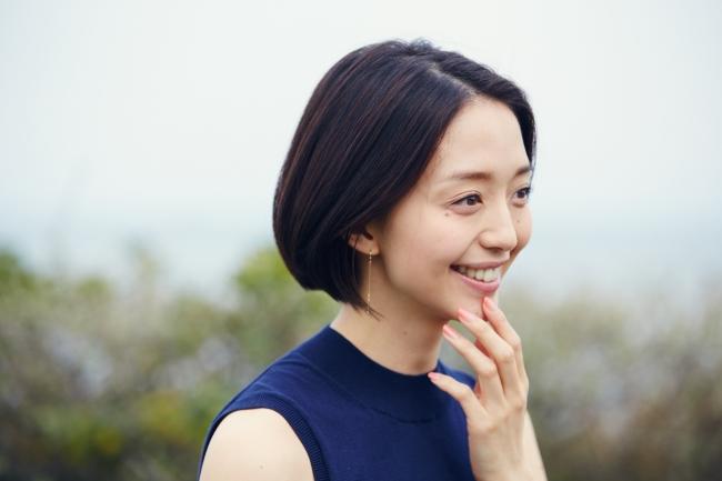 松島花の横顔画像