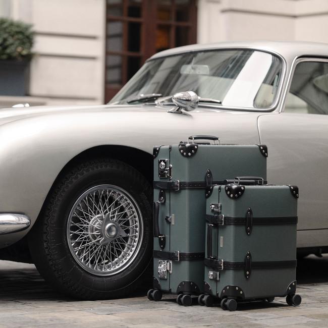 映画「007/ノー・タイム・トゥ・ダイ」に登場予定のグローブ・トロッターのキャリーケース