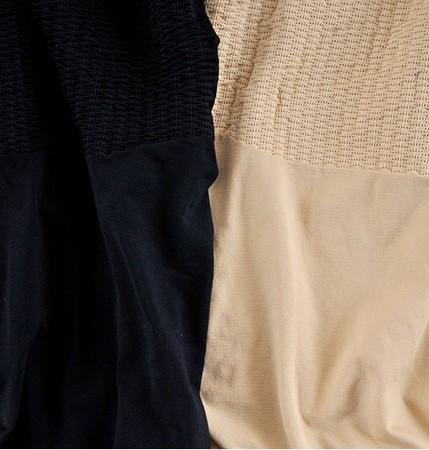 左:ブラック、右:ベージュ