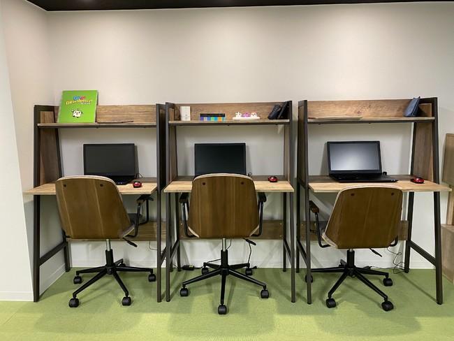 ノートPCやタブレット、IoT機器等のハードウェアも充実。 習熟度に応じた活動を選択することが可能。