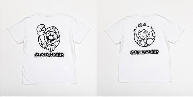 <写真左>マリオプリントTシャツ 9,900円 /<写真右>ピーチプリントTシャツ 9,900円
