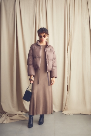 Down jacket¥17,000+tax Knit dress¥9,200+tax