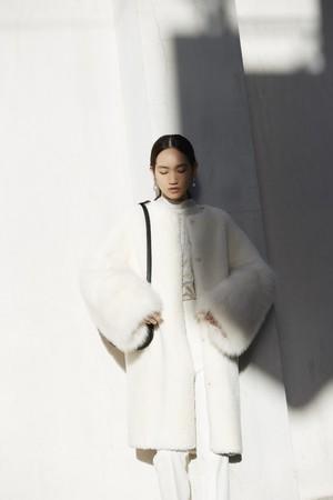 coat ¥25,000+tax