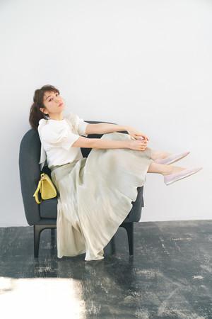 Knit ¥13,000+tax、skirt ¥15,000+tax