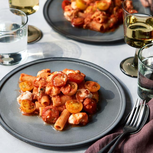 ヴィーガンモッツァレラと熊本トマトの自家製ソース リガトーニ