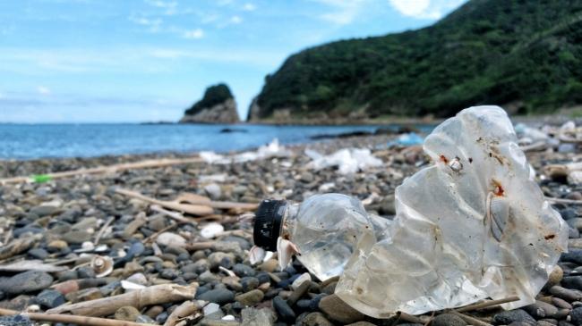 海洋汚染問題はその深刻さを増し、マイクロプラスチックに代表される「海洋プラスチック問題」の解決に向けて早急な対応が求められています
