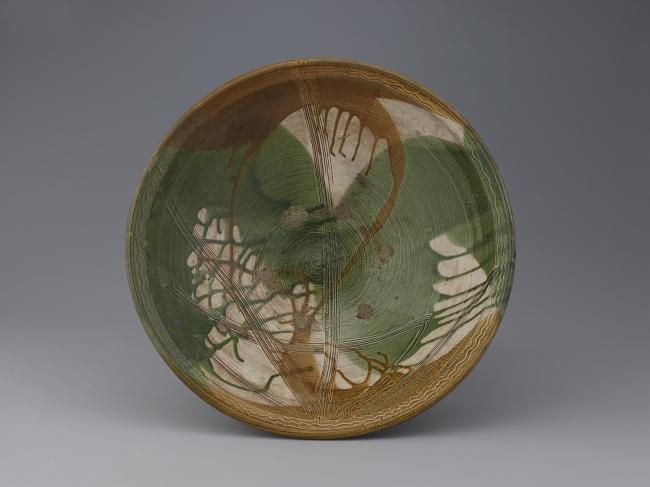 緑褐釉櫛目草文大皿 肥前 武雄 小田志 1650~1690年代