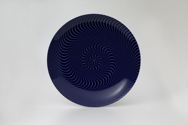 五千五十水玉紋様皿(動図)野老朝雄(2019年制作)