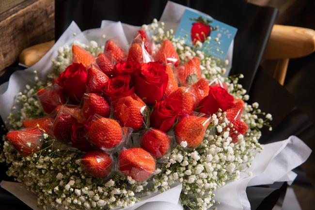 「いちごさん花束」