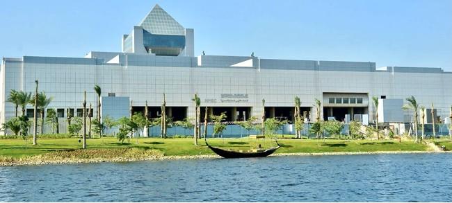 近代的な建物にリニューアルした 「エジプト文明博物館」(C)ワールドコンパス