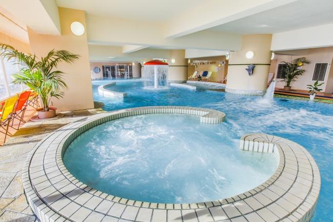 温泉を利用したクアパークが館内にあるのも人気。