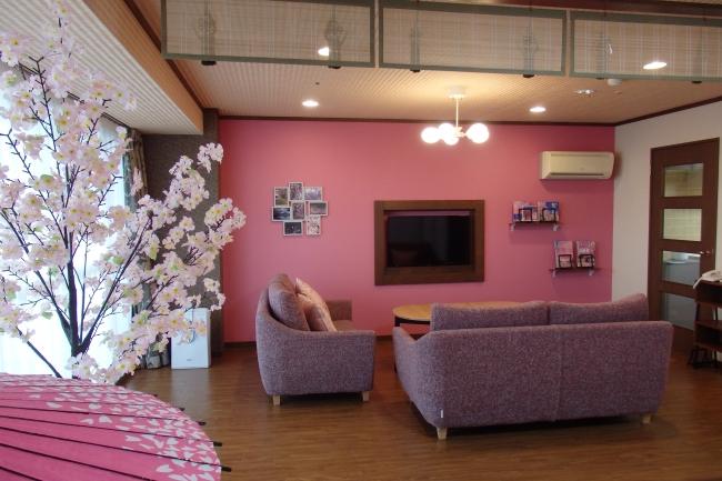 1室限定、和室・リビング・ベッドルームからなる「SAKURA(桜)ルーム」