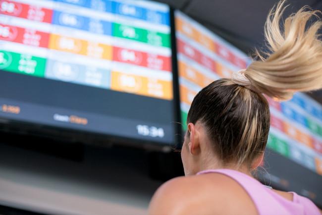 消費カロリーや心拍数をリアルタイムでモニター