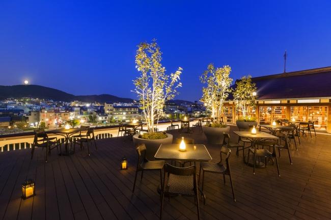 京都東山三十六峰と鴨川を一望