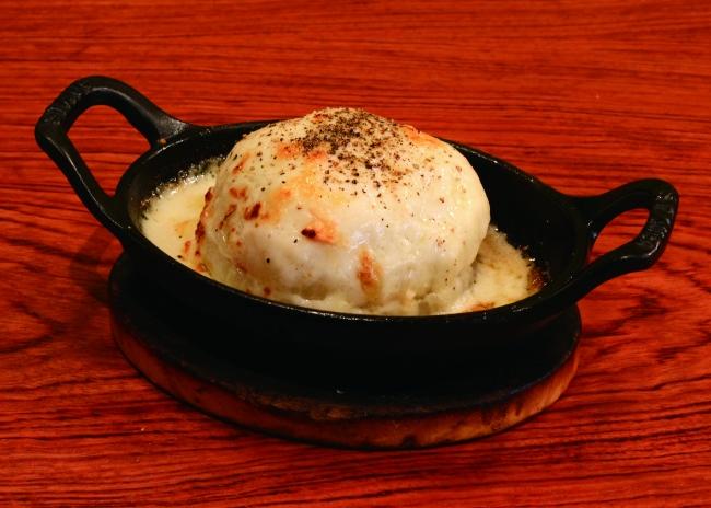 新たまねぎの丸ごとチーズ焼き(価格680円)