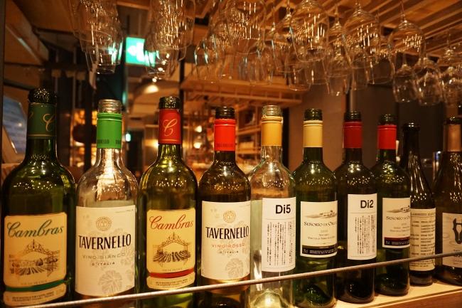 バラエティに富んだワインの数々
