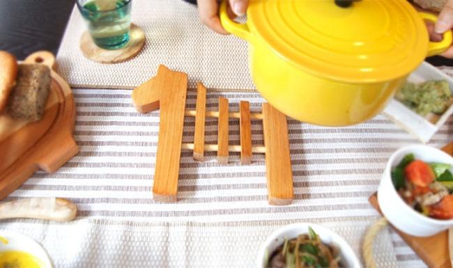 ダーラナホース鍋敷き(スカンジナヴィスク) 2,400円(税別)