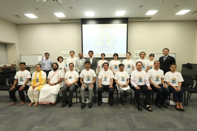 第5回「国際ヨガの日」祝賀イベント 日本の国会議員を対象とした特別ヨガセッションを開催