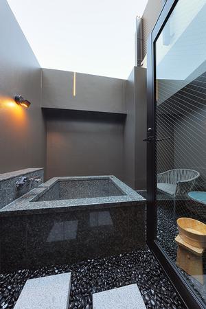 「Courner Suite」の露天風呂