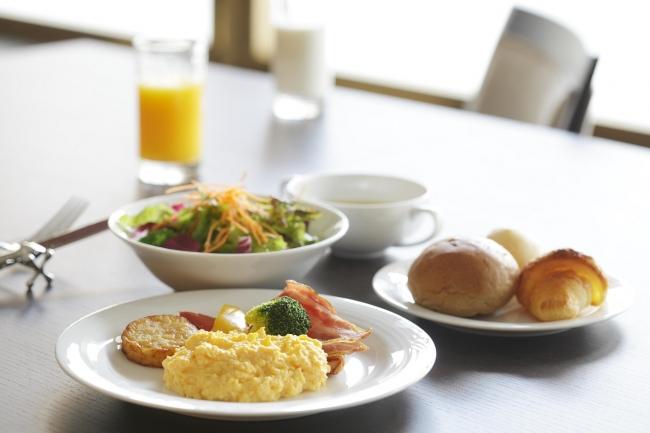 「ダイニング フェリオ」の和洋朝食ビュッフェ